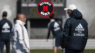 Roberto Carlos y Zidane, en un entrenamiento del primer equipo