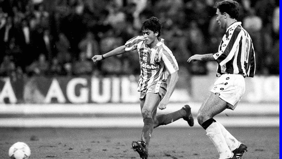 Luis Enrique, en uno de sus 38 partidos con el primer equipo del Sporting.
