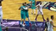 Willy Hernangómez abraza a Batum tras una canasta del francés