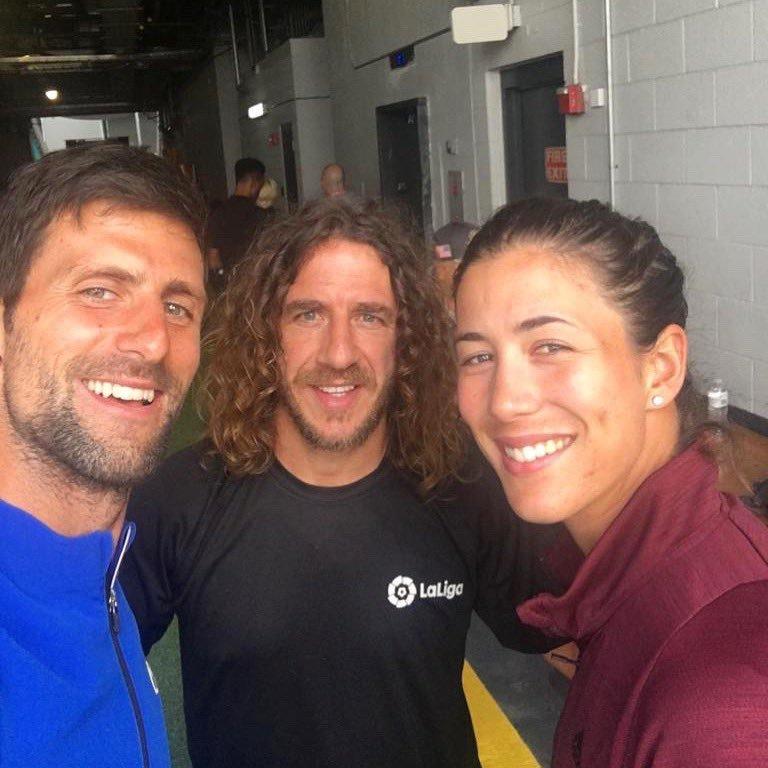 Novak Djokovic se fotografió en Miami junto a Carles Puyol y Garbiñe...