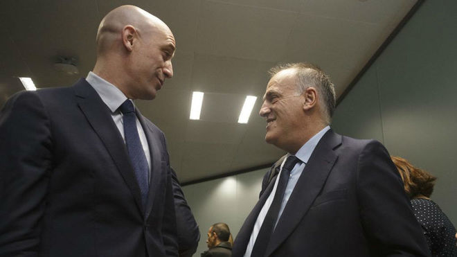Luis Rubiales, the RFEF's president, with the president of LaLiga...