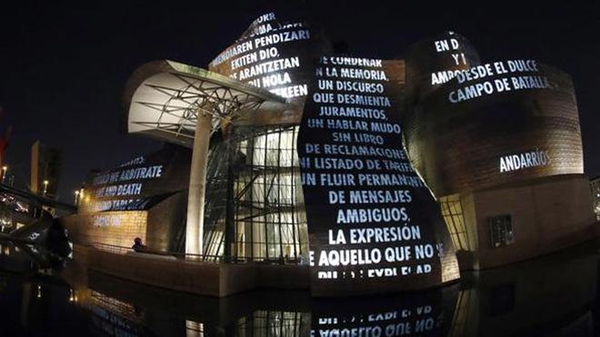 El Museo Guggenheim Bilbao acoge la exposición 'Jenny Holzer. Lo indescriptible'