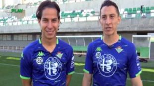 Diego Lainez/ Andrés Guardado.