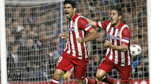 Diego Costa y Koke celebran un gol al Chelsea.