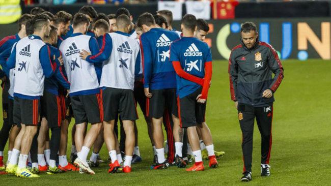Luis Enrique y sus jugadores, en un entrenamiento.