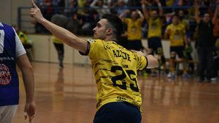 Azkue celebra un gol del Bidasoa /