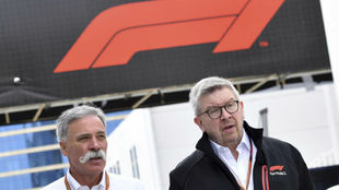 Chase Carey, director ejecutivo de la F1 y Ross Brawn, director...