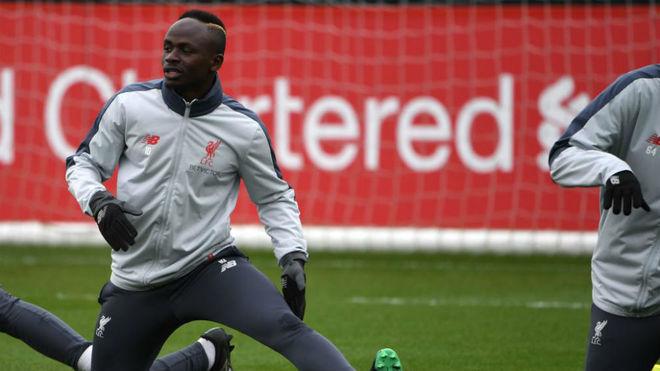 Mané, en un entrenamiento con el Liverpool