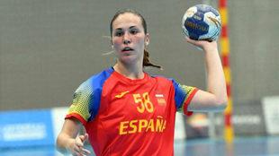 María Prieto, durante un partido con España /
