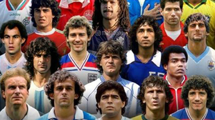 Maradona, rodeado de cracks en su imagen Instagram.