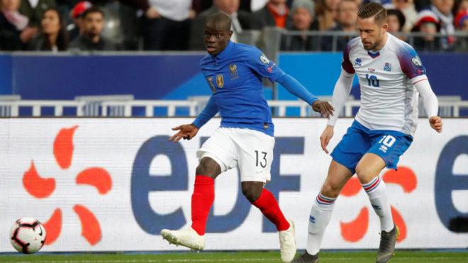 Kanté solo piensa en el Chelsea