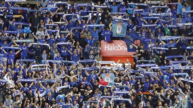 La afición del Oviedo no recibió un buen trato en El Molinón