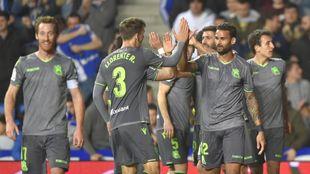 Los jugadores de la Real celebran un gol ante el Leganés, en su...