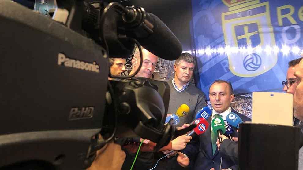 El consejero Fernando Corral junto a César Martín, responsable de...