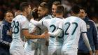 Los futbolistas de Argentina celebran el triunfo en Marruecos