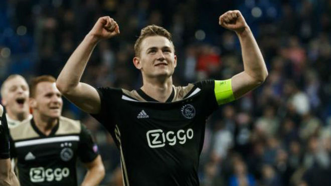 Matthijs de Ligt celebrating knocking out Real Madrid in the Champions...