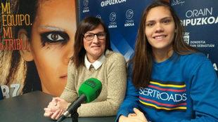 Renata Arruda y la responsable de la sección del Bera Bera, Tati...