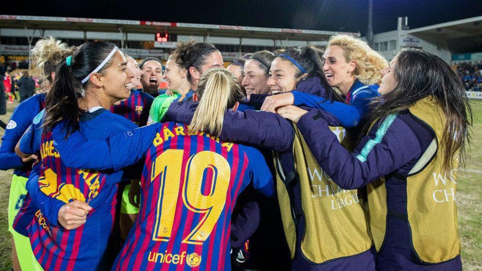 Las jugadoras del Barcelona celebran el pase a semifinales de la...