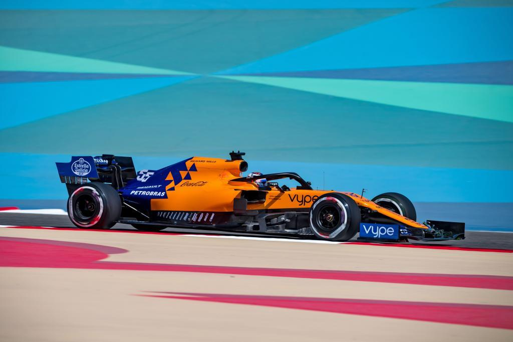 McLarens Spanish driver Carlos <HIT>Sainz</HIT> Jr takes part in the first practice session ahead of the Formula One Bahrain Grand Prix at the Sakhir circuit in the desert south of the Bahraini capital Manama, on March 29, 2019. - The Formula One Bahrain Grand Prix will be held on March 31. (Photo by Andrej ISAKOVIC / AFP)