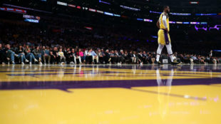LeBron James, en un partido con los Lakers