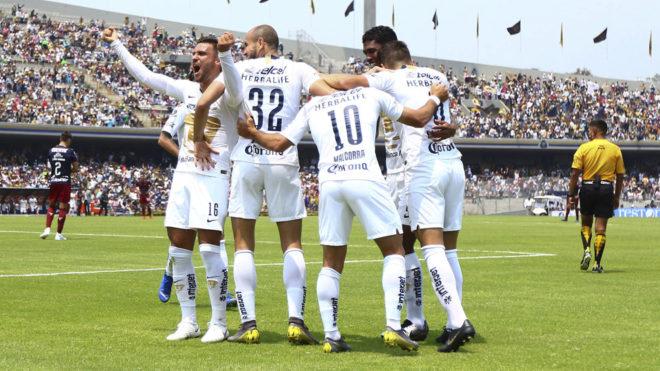 Pumas vence a Chivas en casa.