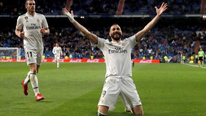 Karim Benzema celebrates his winner against Huesca