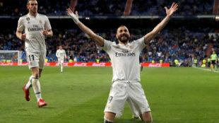 Karim Benzema celebra el 3-2.