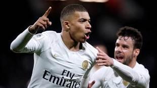 El francés celebra el único tanto del partido.
