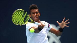 Felix Auger-Aliassime, en la semifinal del Abierto de Miami contra...