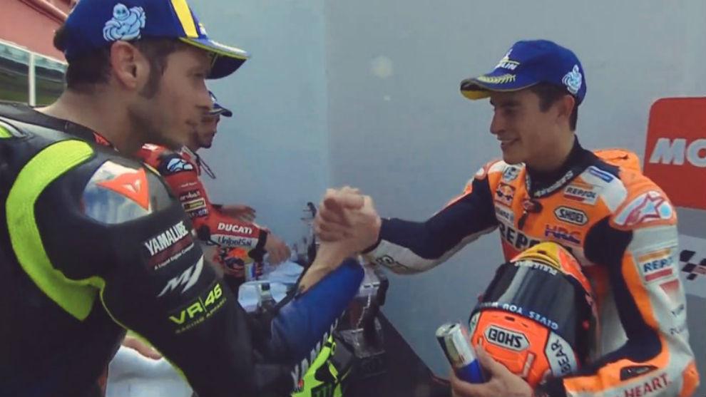 Rossi saluda a Márquez en Argentina.