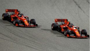 Leclerc, por delante de Vettel ayer en Bahréin.