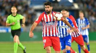 Diego Costa durante el partido ante el Alavés.