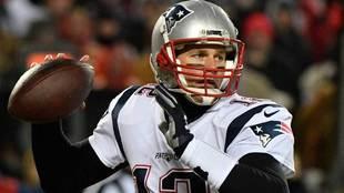 Tom Brady jugando con los New England Patriots