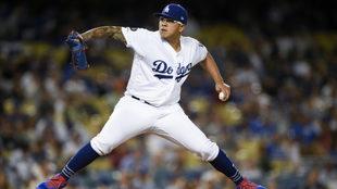 Julio Urías luce en su primera apertura con los Dodgers.