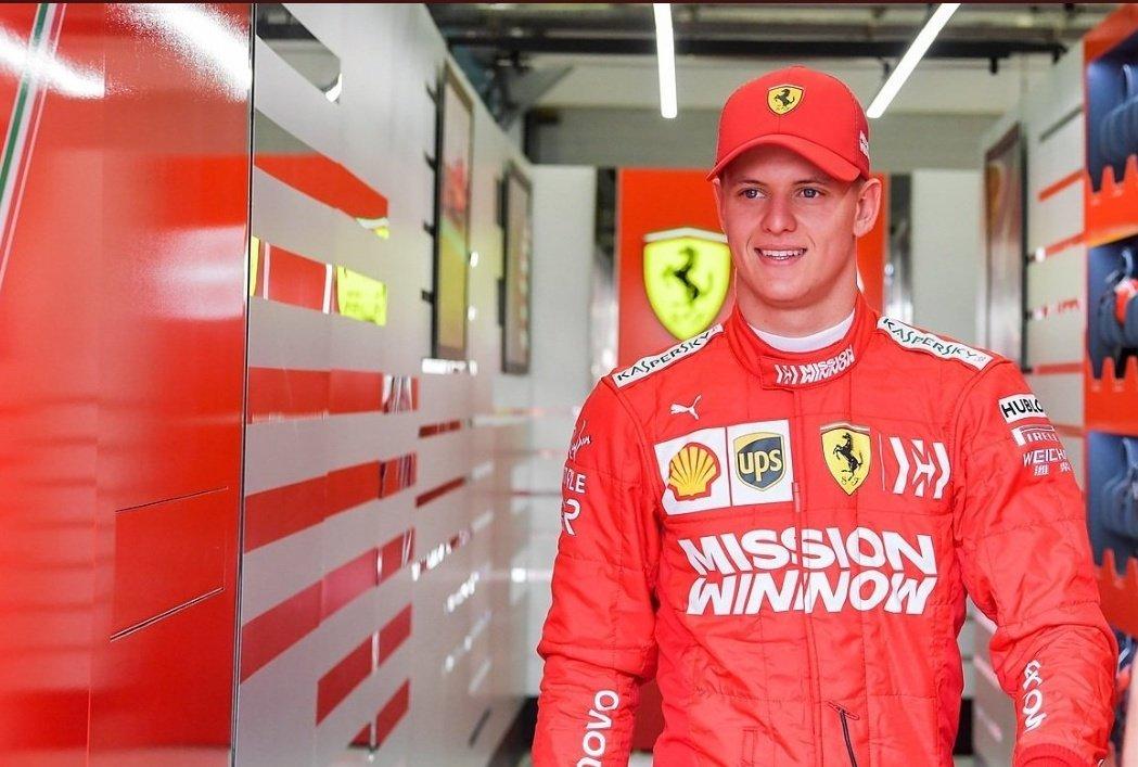 Hijo de Schumacher se estrena como piloto de reserva de Ferrari