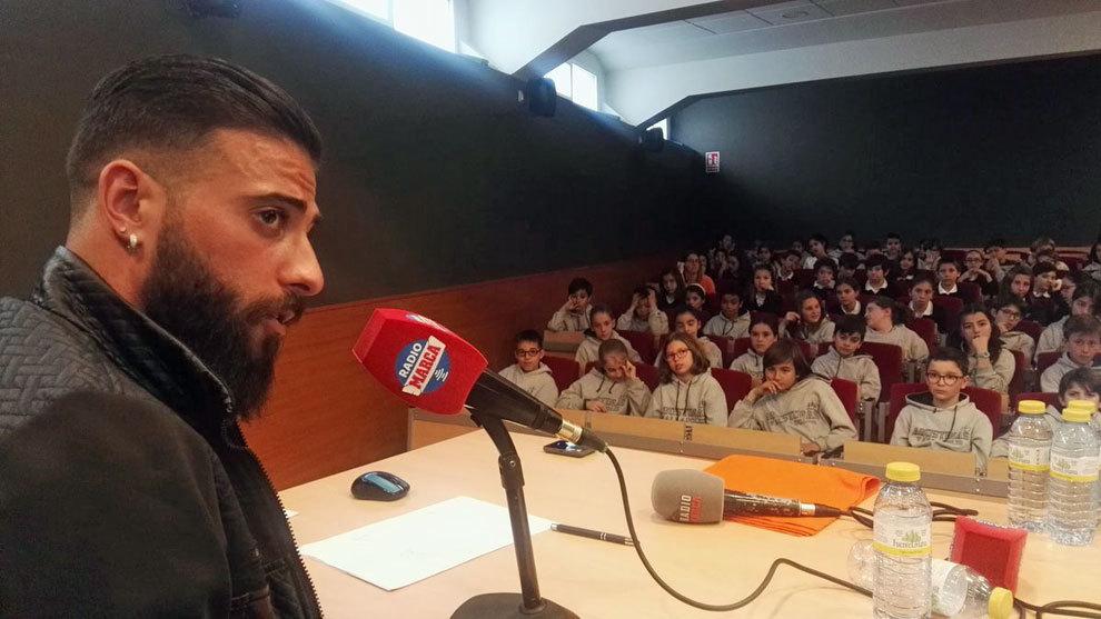 Daniele Verde, durante su visita al Colegio Agustinas