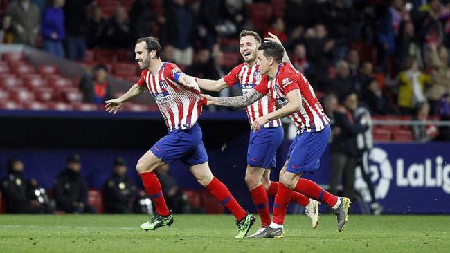 Godín celebra su gol contra el Girona.