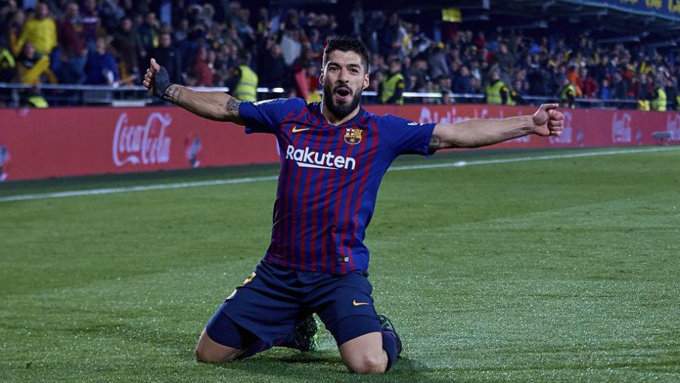 Luis Suárez celebra su gol ayer contra el Villarreal