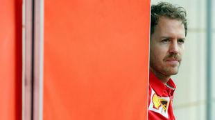 Vettel, durante los test en Bahréin.