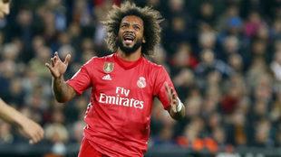 Marcelo se lamenta durante el partido.