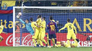 Messi marca de falta al Villarreal