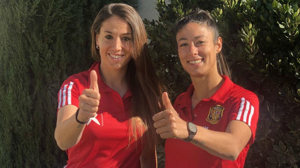 Olga García y Leila Ouahabi posan en Don Benito.