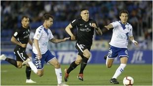 Luis Pérez y Luis Milla intentan que Djurdjevic no se haga con el...