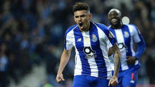 Tiquinho celebrando el gol anotado al Boavista.