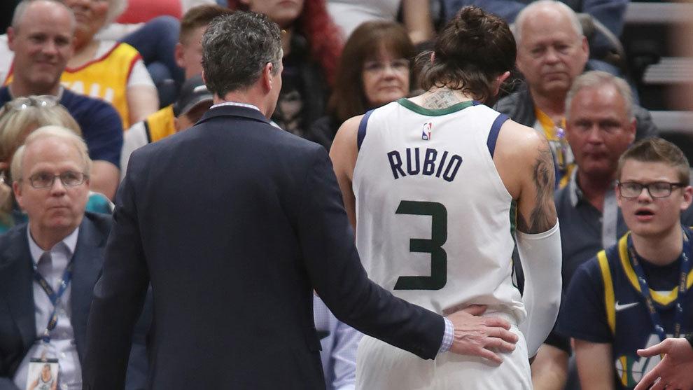 Ricky Rubio, en el momento de retirarse lesionado