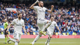 Benzema celebra su segundo tanto al Eibar