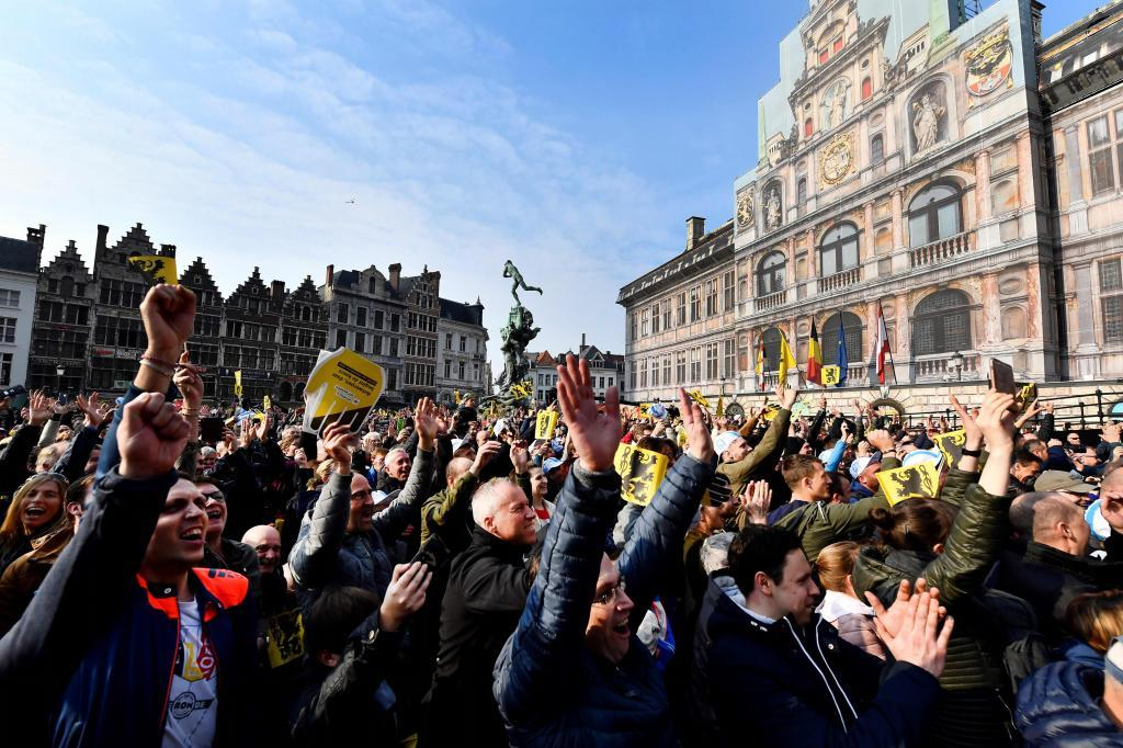 Cycling fans gather at the start of the 103rd edition of the <HIT>Ronde</HIT> van Vlaanderen - Tour des Flandres - Tour of Flanders one day cycling race, 270,1km from Antwerp to Oudenaarde, on April 7, 2019. (Photo by DIRK WAEM / BELGA / AFP) / Belgium OUT