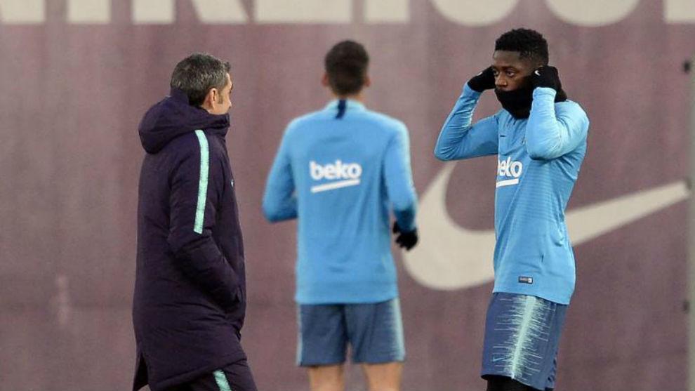 Valverde habla con Dembélé en una sesión
