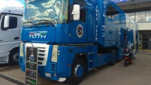 El camión del equipo Toth.