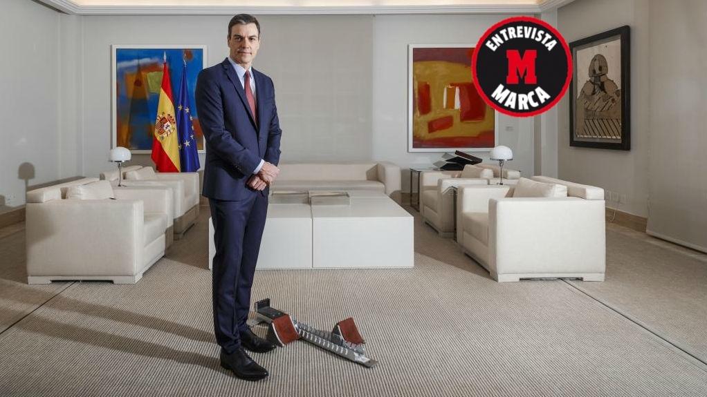 El presidente del Gobierno, Pedro Sánchez, posa para MARCA en la...